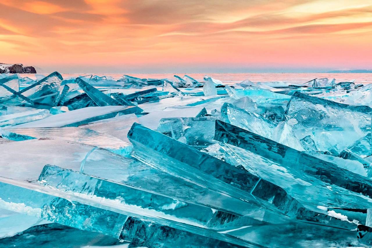 Giant ice bars of lake Baikal