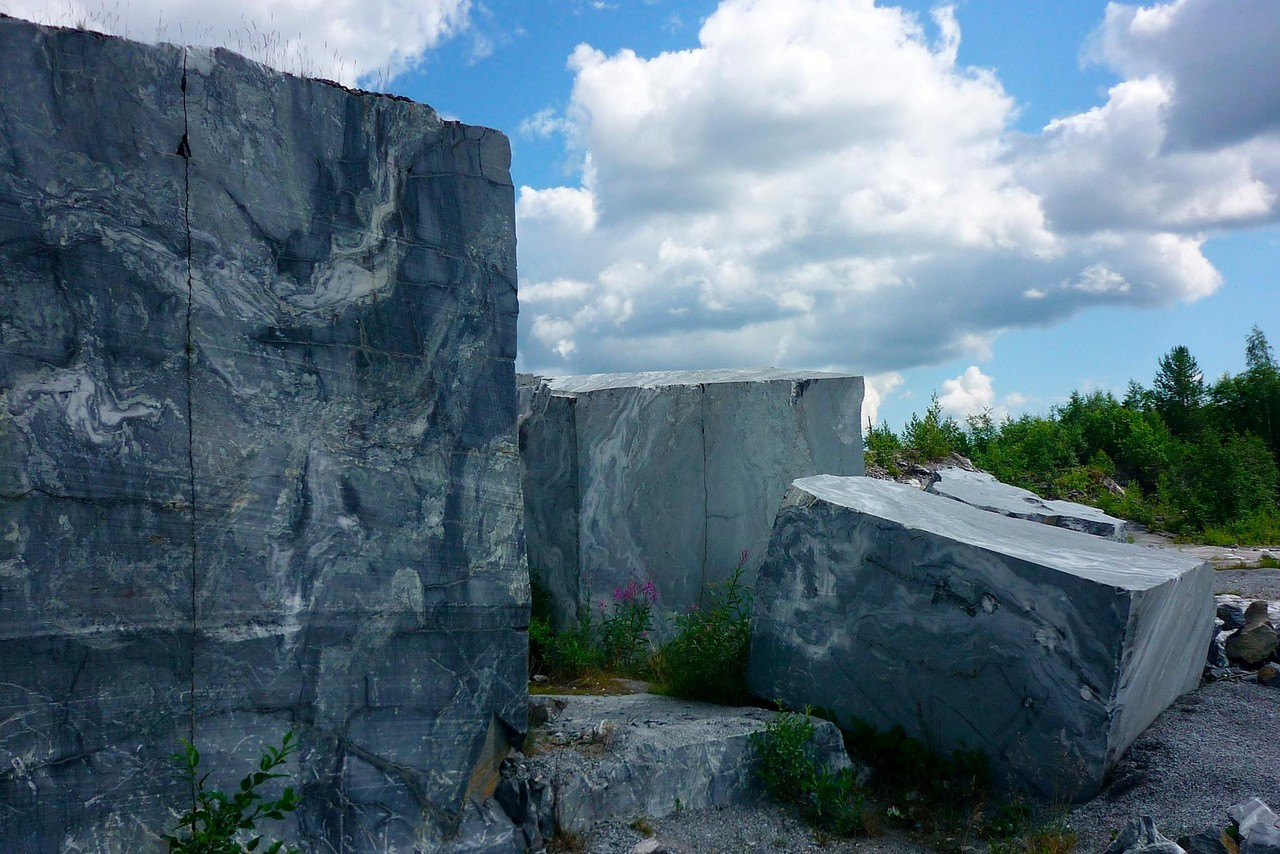 Giant cubes of marble, grey marble with white veins