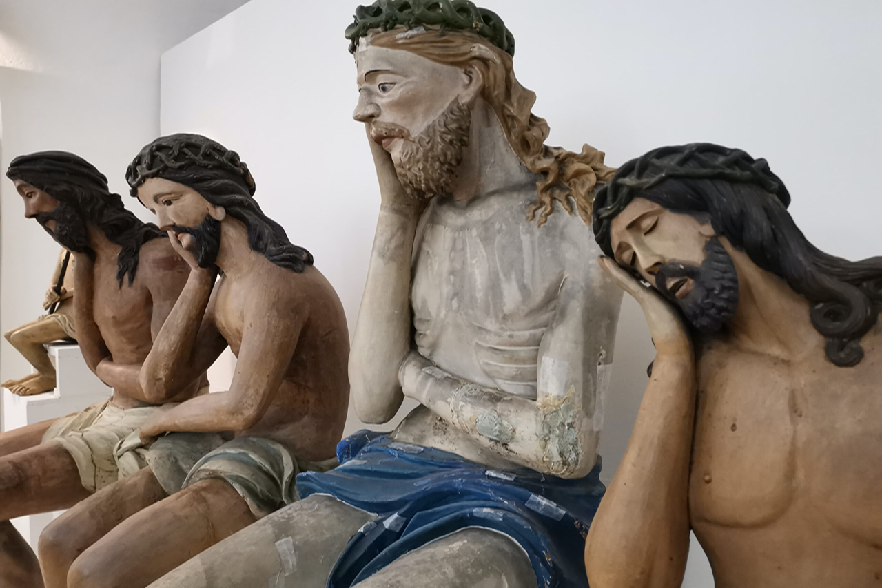 Five unique wooden statues of sitting Jesus, Orthodox wooden religious statues